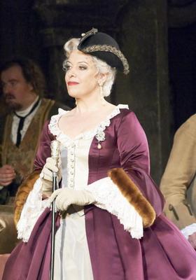 A tábornagyné: Nina Stemme