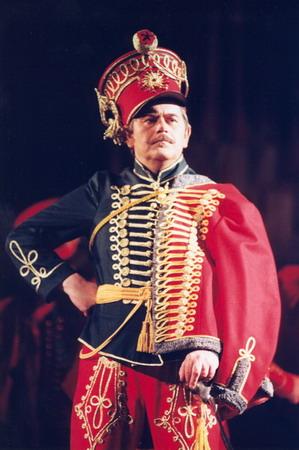 Háry János szerepében (Fotó: Mezey Béla)