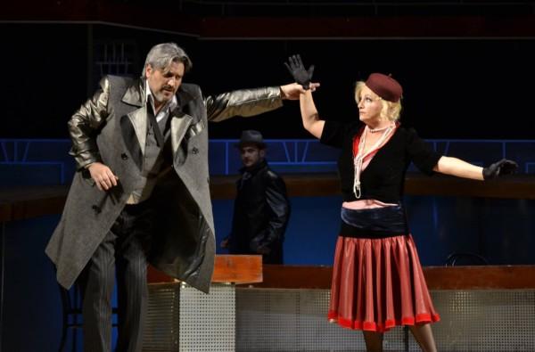 Jelenet az előadásból (fotó: Szabadi Péter / Kolozsvári Magyar Opera)