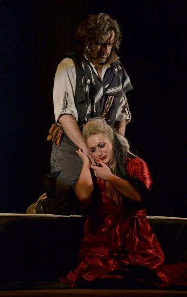Delila és Sámson: Veress Orsolya és Marius Vlad Budoiu (fotó: Szabadi Péter / Kolozsvári Magyar Opera)