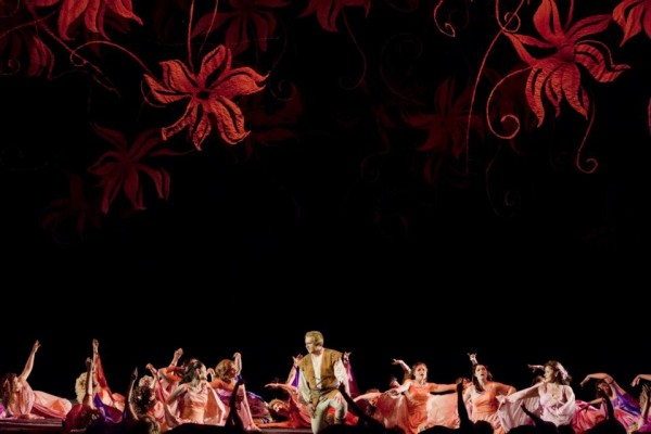 Parsifal és a viráglányok - középen: Kovácsházi István