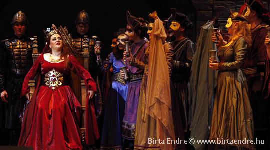 Lady Macbeth: Lukács Gyöngyi (fotó: Birta Endre)