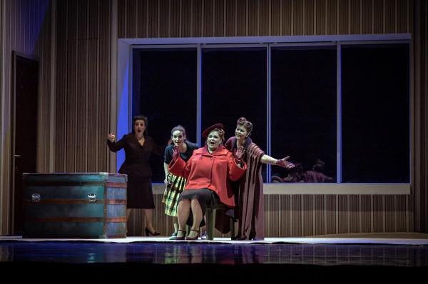A windsori víg nők: Budai Lívia, Baráth Emőke, Fodor Beatrix és Gál Erika (fotó: Vermes Tibor)