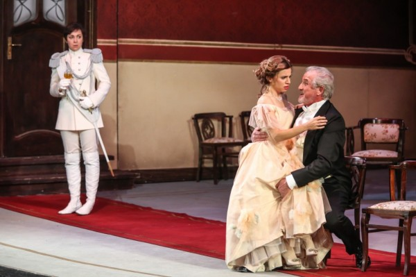Octavian, Sophie és Ochs báró: Mester Viktória, Hajnóczy Júlia és Alfred Muff (fotó: Csibi Szilvia)