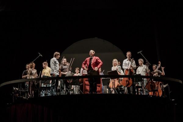 Köteles Géza és a zenekar (fotó: Vermes Tibor)