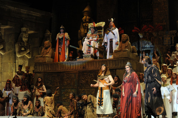 Jelenet az előadásból (fotó: Szkárossy Zsuzsa / Budapesti Nyári Fesztivál)