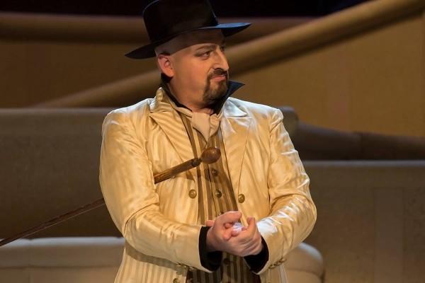 Don Alfonso: Kálmán Péter (fotó: Mányó Ádám)