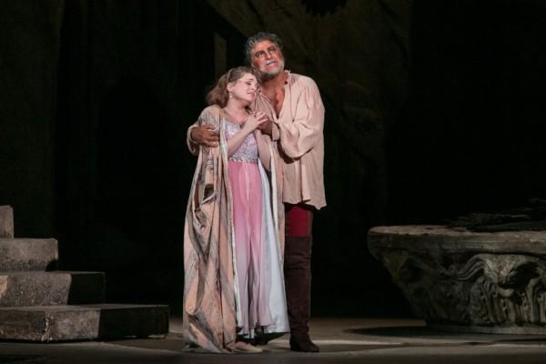 Desdemona és Otello: Pasztircsák Polina és José Cura (fotó: Nagy Attila / Magyar Állami Operaház)