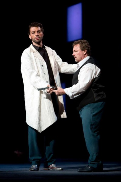Mefisztó és Faust: Bretz Gábor és Dario Schmunck (fotó: Rákossy Péter / Magyar Állami Operaház)