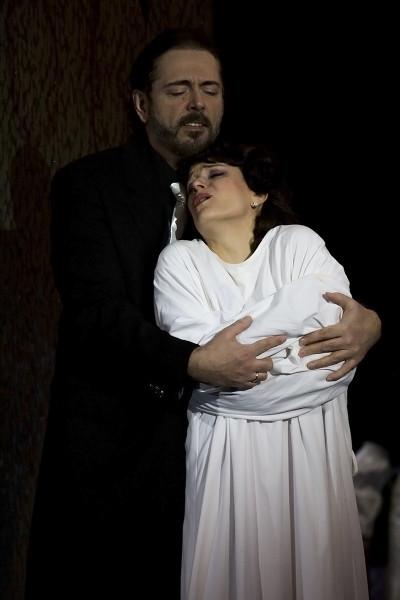 Leonora és Luna gróf: Létay Kiss Gabriella és Kálmándi Mihály (fotó: Mányó Ádám)