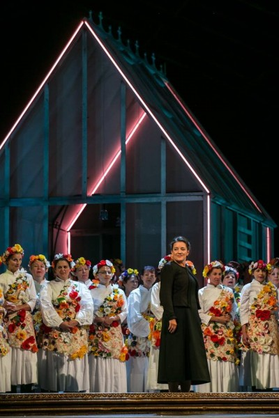 A Háziasszony: Schöck Atala (fotó: Csibi Szilvia / Magyar Állami Operaház)