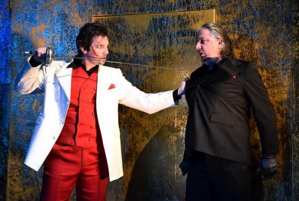 Don Giovanni és Leporello: Haja Zsolt és Cseh Antal (fotó: Máthé András / Csokonai Nemzeti Színház)