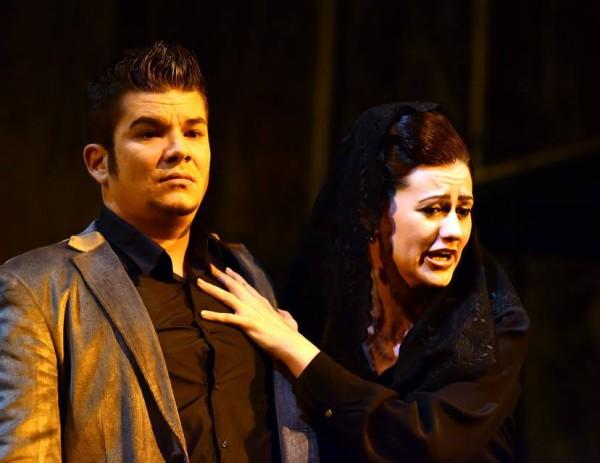 Anna és Ottavio: Gippert Béla és Rendes Ágnes (fotó: Máthé András / Csokonai Nemzeti Színház)