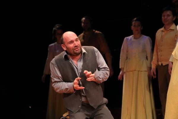 Leporello: Hábetler András (fotó: Körtvélyesi László / Pécsi Nemzeti Színház)