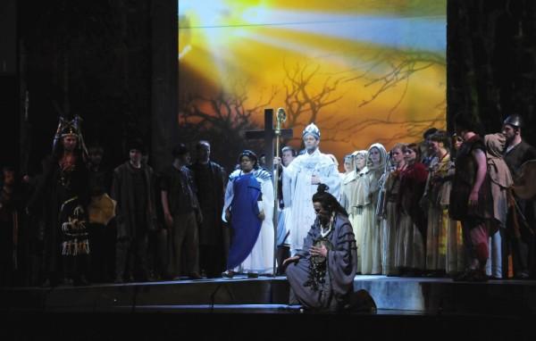 Jelenet az előadásból (fotó: Pető Zsuzsa)