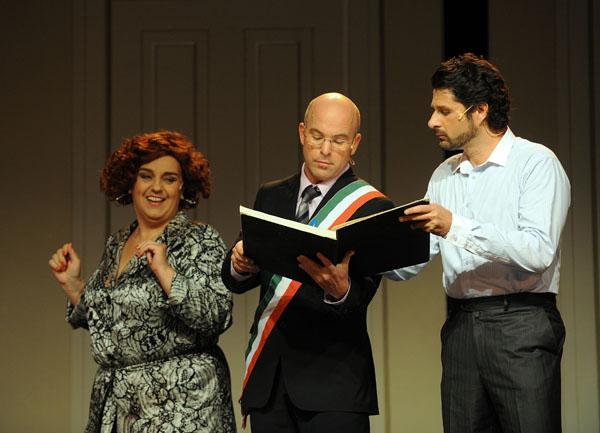Farkasréti Mária (Marcellina), Megyesi Zoltán (Don Curzio) és Kovács István (Almaviva gróf) (fotó: Szkárossy Zsuzsa)