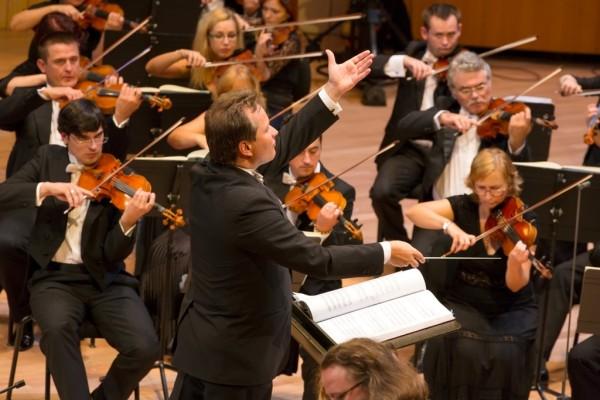 Andrij Jurkevics és a Kassai Állami Filharmonikus Zenekar (fotó: Posztós János)