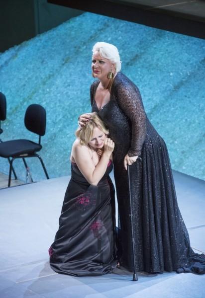 Sieglinde és Brünnhilde: Anja Kampe és Iréne Theorin (fotó: Posztós János / Művészetek Palotája)