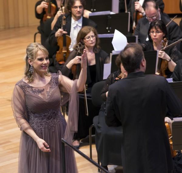Elīna Garanča és Karel Mark Chichon (fotó: Posztós János / Művészetek Palotája)
