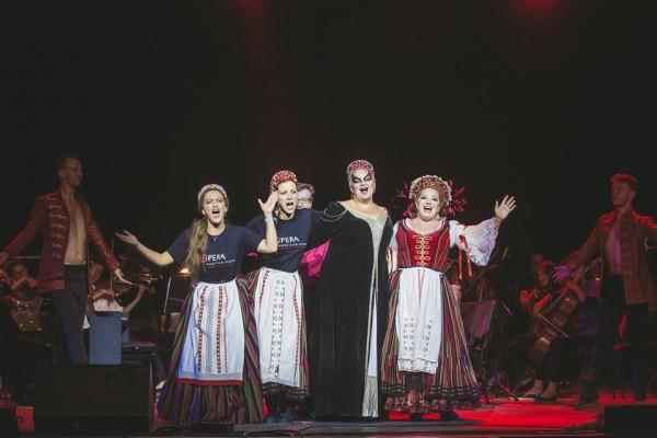 Keszei Bori, Zavaros Eszter, Fodor Beatrix, Rőser Orsolya Hajnalka (fotó: Nagy Attila / Magyar Állami Operaház)