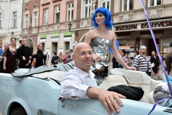 Kesselyák Gergely fesztiváligazgató a nyitóparádén (fotó: Vajda János / MTI)