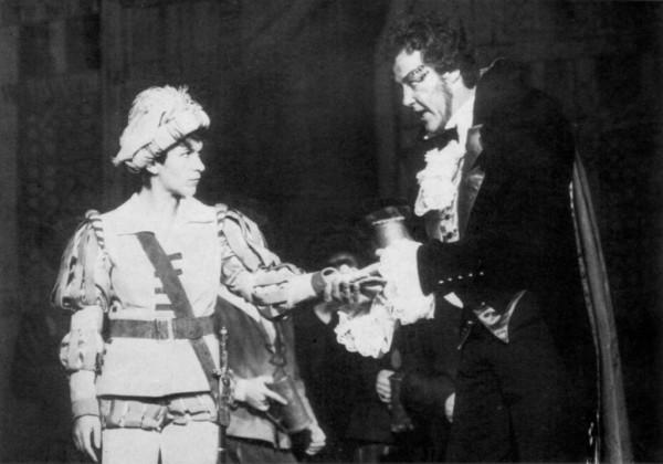 A Faustban Bokor Juttával