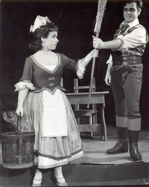 Nancy a Mártában, Dene József partnereként