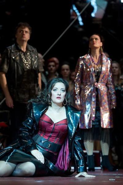 Schöck Atala Carmen szerepében az Erkel Színházban (fotó: Magyar Állami Operaház)