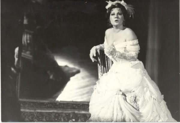 A Traviata Violettájaként