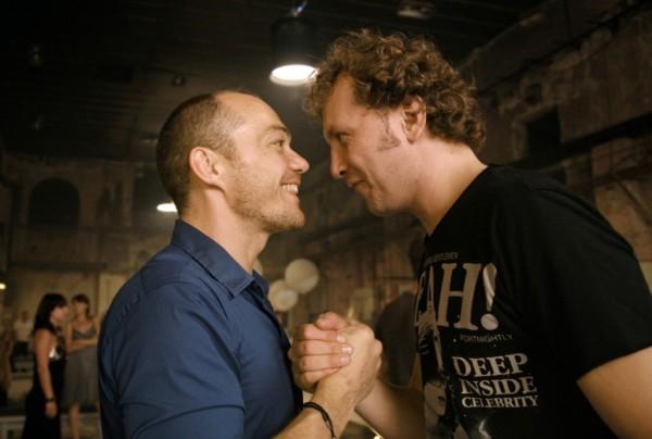 Juan (Christopher Maltman) és Leporello (Mihail Petrenko) (fotó: Steffen Aarfing)