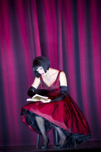 Jelenet a grazi traviata-előadásból - Violetta: Marlis Petersen (fotó: Werner Kmetitsch)