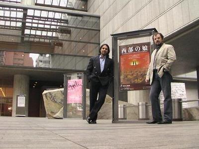 Réti Attilával az opera bejárata előtt