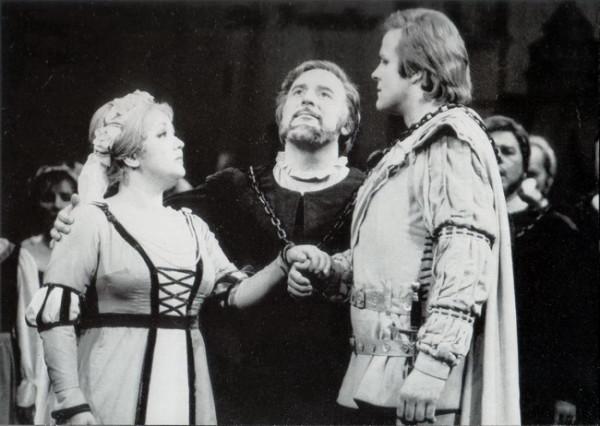 Mesterdalnokok Kincses Veronikával és Molnár Andrással