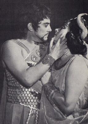 Komlóssy Erzsébettel a Sámson és Delilában -  1971