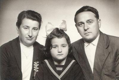 Szüleivel