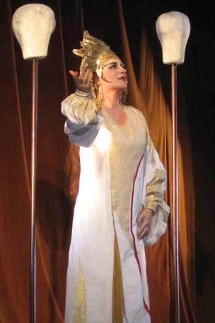 Lukács Gyöngyi Turandotként az Erkel Színházban