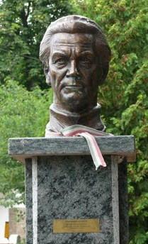 Simándy-szobor Kistarcsán
