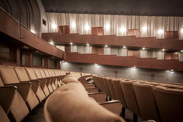 A nézőtér a rendezői jobbról (fotó: Vermes Tibor)