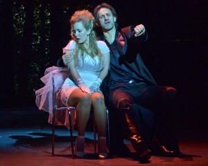 Zerlina és Don Giovanni (Molnár Ágnes és Geiger Lajos – fotó: Éder Vera)