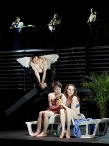 Részlet az előadásból (Armin Bardel, Neue Oper Wien)