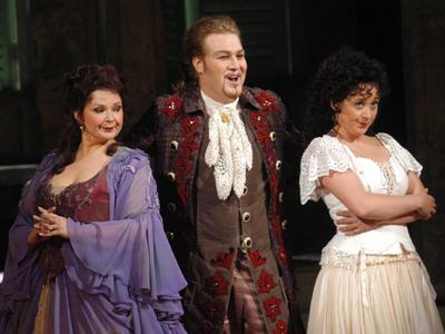Fodor Beatrix, Molnár Levente és Cecília Lloyd (fotó: Éder Vera)