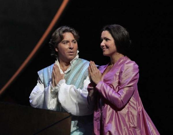 Rómeó és Júlia: Roberto Alagna és Anna Netrebko (fotó: Ken Howard)