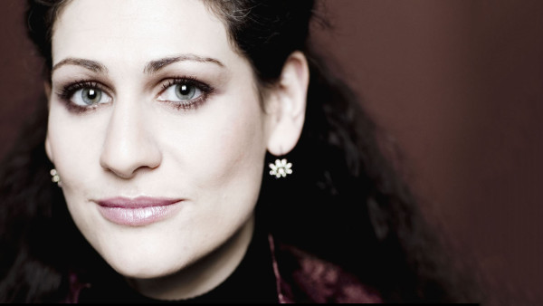 Anja Harteros (fotó: Marco Broggreve)