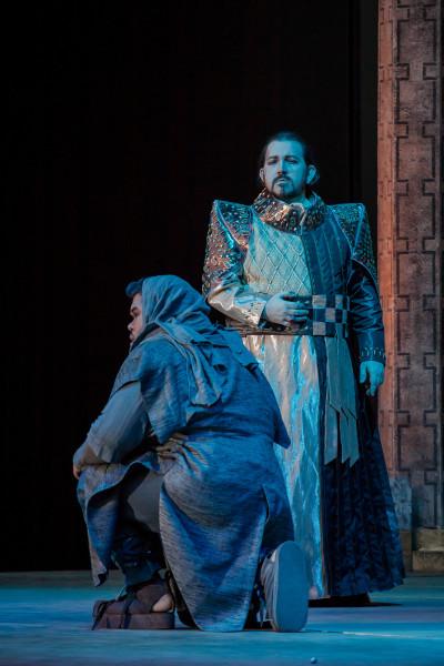 Asszád és Salamon: Nutthaporn Thammathi és Kelemen Zoltán (fotó: Vermes Tibor)