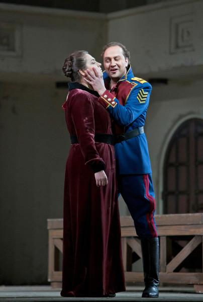 Jaroszlavna és Galickij: Okszana Dika és Mihail Petrenko (fotó: Cory Weaver)