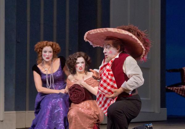 Tisbe, Clorinda és Don Magnifico: Patricia Risley, Rachelle Durkin és Alessandro Corbelli (fotó: Ken Howard)