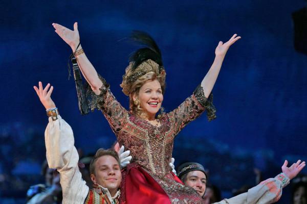 Hanna: Renée Fleming (fotó: Ken Howard / Metropolitan Opera)