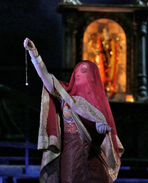 Leila: Diana Damrau (fotó: Ken Howard / Metropolitan Opera)
