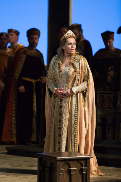Erszébet: Eva-Maia Westbroek (fotó: Marty Sohl / Metropolitan Opera)
