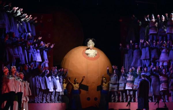 Jelenet az előadásból (fotó: Gálos Mihály Samu / Bartók Plusz)